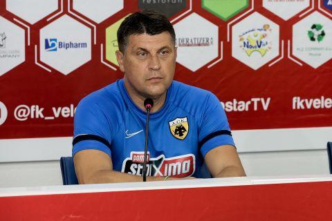 Ο Βλάνταν Μιλόγεβιτς στη συνέντευξη Τύπου πριν από το ματς με την ΑΕΚ με την Βελέζ στην Βοσνία   21 Ιουλίου 2021