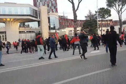 Αλβανία - Πολωνία: Επεισόδια στα Τίρανα πριν από τον αγώνα για τα προκριματικά του Μουντιάλ 2022