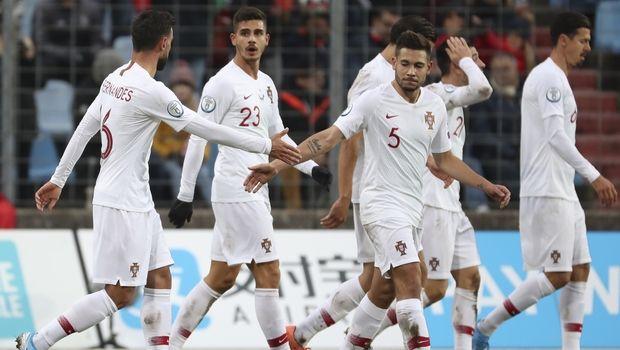 Euro 2020: Στα τελικά η Πορτογαλία, στα playoffs η Σερβία