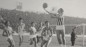 Τρομερή φωτογραφία: Όταν στην Τούμπα έβλεπαν μπάσκετ!