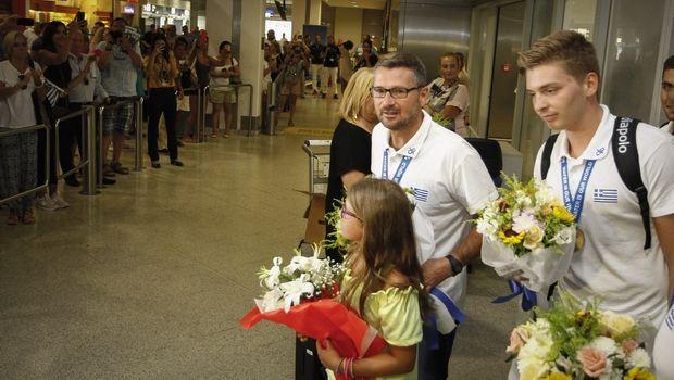 98117bc0f95e Επέστρεψε στην Αθήνα η Παγκόσμια Πρωταθλήτρια εθνική εφήβων πόλο. Από την  Ουγγαρία και το Σομπατέλι