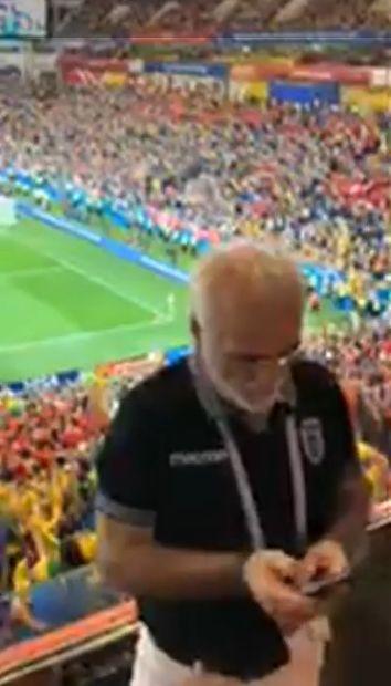 PHOTO: Στο Βραζιλία - Ελβετία ο Ιβάν Σαββίδης με μπλουζάκι ΠΑΟΚ