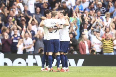 Οι παίκτες της Τότεναμ πανηγυρίζουν γκολ κόντρα στην Γουότφορντ για την Premier League | 29 Αυγούστου 2021
