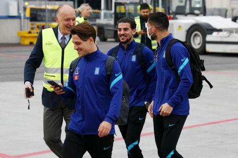 Η άφιξη των παικτών της Εθνικής Ελλάδας στην Στοκχόλμη για το ματς κόντρα στη Σουηδία.