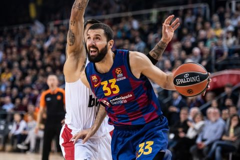 Ο Νίκολα Μίροτιτς σε φάση από αγώνα της Μπαρτσελόνα στη EuroLeague 2020/21