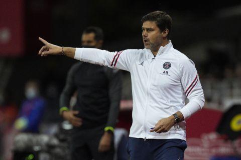 Ο Μαουρίτσιο Ποτσετίνο δίνει οδηγίες στους παίκτες της Παρί κατά τη διάρκεια αγώνα πρωταθλήματος με την Μπρεστ   20 Αυγύστου 2021