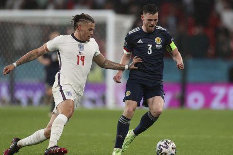 Οι Ρόμπερτσον και Φίλιπς σε φάση από την αναμέτρηση Αγγλία - Σκωτία για το Euro 2020 | 18 Ιουνίου 2021