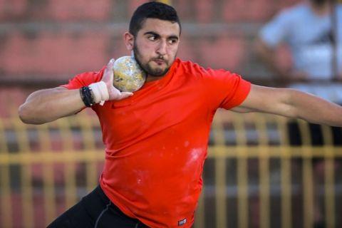 Πανελλήνιο ρεκόρ από τον Μουζενίδη στη σφαιροβολία με 20,70 μέτρα