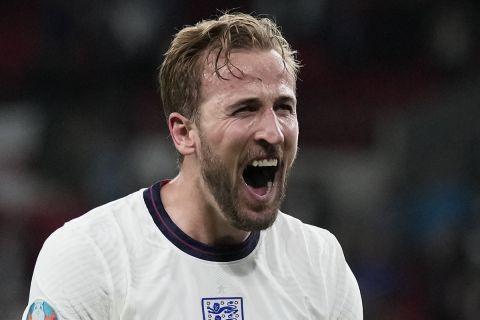 Ο Χάρι Κέιν πανηγυρίζει την πρόκριση της Αγγλίας στον τελικό του Euro 2020 εις βάρος της Δανίας (7 Ιουλίου 2021)