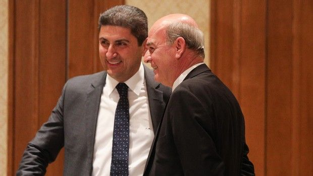 Συνάντηση ανάμεσα σε ΕΠΟ, FIFA, UEFA και Αυγενάκη για τον αθλητικό νόμο