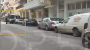 VIDEO ντοκουμέντο από τον ξυλοδαρμό του Θανάση Τζήλου από τους κουκουλοφόρους!