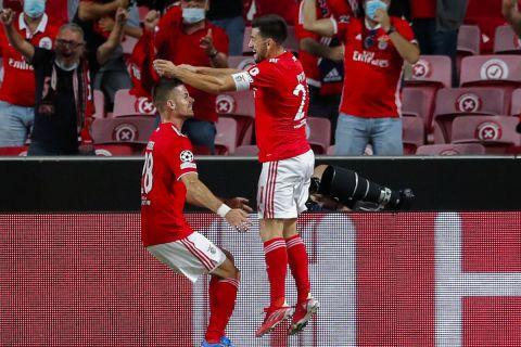 Οι παίκτες της Μπενφίκα πανηγυρίζουν γκολ κόντρα στην Αϊντχόφεν για τα play offs του Champions League | 18 Αυγούστου 2021