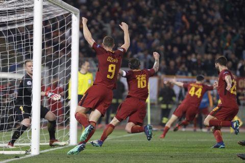 Το ιστορικό γκολ του Μανωλά στο Ρόμα - Μπαρτσελόνα 3-0 στο Ολίμπικο