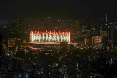 Πυροτεχνήματα στο Ολυμπιακό Στάδιο του Τόκιο