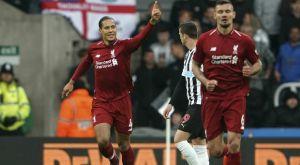 Νιούκαστλ – Λίβερπουλ 2-3: Ζωντανοί στη μάχη του τίτλου οι «ρεντς»