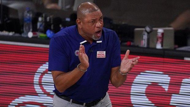 Ο Ντοκ Ρίβερς νέος προπονητής των Σίξερς
