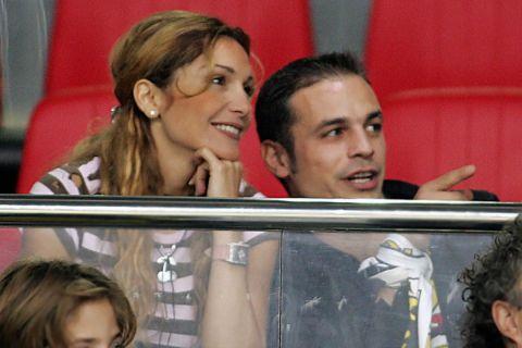 Ντέμης Νικολαϊδης και Δέσποινα Βανδή παρακολουθούν μαζί αγώνα στο ΟΑΚΑ