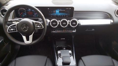 Οδηγούμε τη Mercedes GLB 200