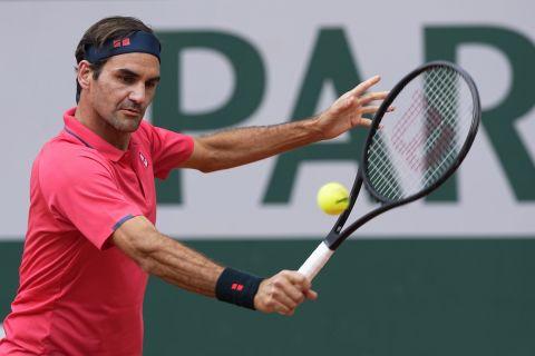 Ο Ρότζερ Φέντερερ από το ματς με τον Τσίλιτς για το Roland Garros /3-6-2021