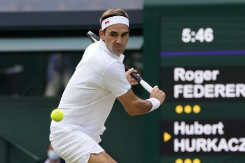 Ο Ρότζερ Φέντερερ στον προημιτελικό του Wimbledon Open   7 Ιουλίου 2021