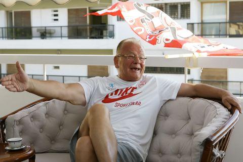 Ο Ντούσαν Ίβκοβιτς σε συνέντευξη στο σπίτι του