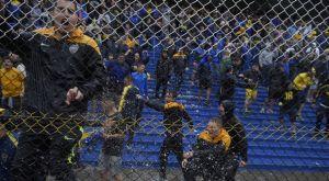 Οπαδοί της Μπόκα χόρευαν και τραγουδούσαν υπό καταρρακτώδη βροχή στο Μπομπονέρα