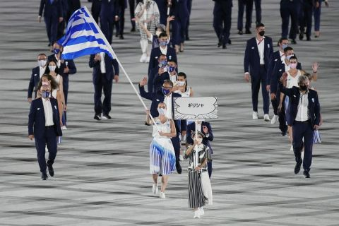 Η είσοδος της ελληνικής αποστολής στην τελετή έναρξης των Ολυμπιακών Αγώνων
