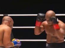 Mike Tyson: Κυνήγησε το νοκ άουτ, έμεινε στην ισοπαλία με τον Roy Jones Jr.