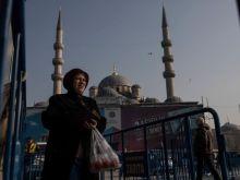Σε τραγική κατάσταση οι Τούρκοι, «στοκάρουν» ρύζι και μακαρόνια λόγω πληθωρισμού