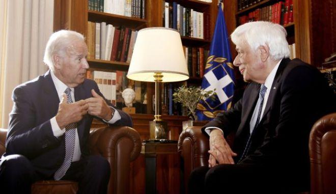 Οταν ο Μπάιντεν ζητούσε παραγραφή χρέους για την Ελλάδα