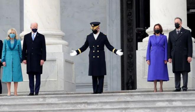 Αυτά τα παλτά ήταν το απόλυτο ενδυματολογικό χιτ της ορκωμοσίας Μπάιντεν