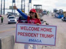 Ντόναλντ Τραμπ: Από πλανητάρχης, παρείσακτος στη Φλόριντα (bonus: το αχαρακτήριστο καφτάνι της Μελάνια)
