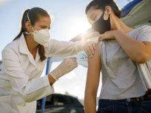 Τι θα πρέπει να ξέρουμε πριν από την δεύτερη δόση του εμβολιασμού μας με AstraZeneca