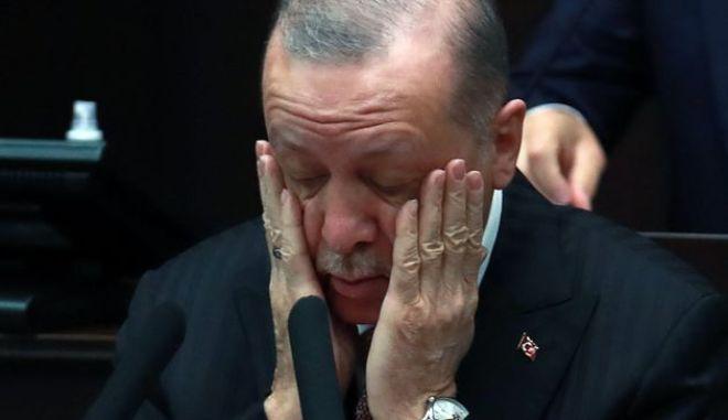 Ο Ερντογάν υπό πολιορκία: Το ημερολόγιο των αποτυχιών του