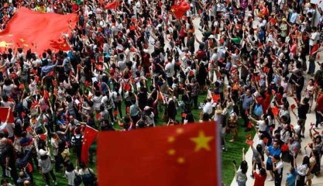 Πώς η Κίνα απέκτησε ξαφνικά δημογραφικό «πρόβλημα»
