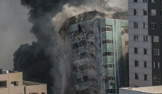 Λωρίδα της Γάζας - Βίντεο: Η στιγμή της κατάρρευσης του πύργου Aλ Τζαζίρα - Ασοσιέιτεντ Πρες