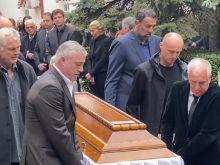 """Ντούσαν Ίβκοβιτς: Συγκλονιστικές στιγμές στην κηδεία του """"Ντούντα"""", με Ομπράντοβιτς, Πάσπαλι, Ράτζα και Ντίβατς να μεταφέρουν το φέρετρο"""