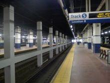 Ο βιασμός στο μετρό που θα είχε αποφευχθεί αν οι άλλοι επιβάτες έπαιρναν την αστυνομία αντί να τραβούν βίντεο