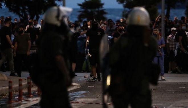 Θεσσαλονίκη: Επεισοδιακή πορεία για την θανάσιμη καταδίωξη στο Πέραμα - Πετροπόλεμος, τραυματισμοί και συλλήψεις